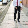 Un bastón para ciegos que reconoce caras