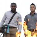 Un extintor de incendios apaga el fuego con sonido